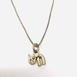 Jewelry - Vtg sterling silver elephant pendant necklace
